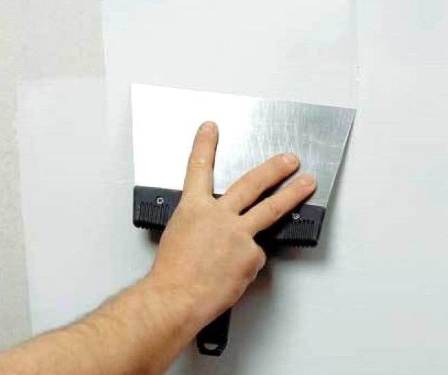 Как шпаклевать стены под обои видео