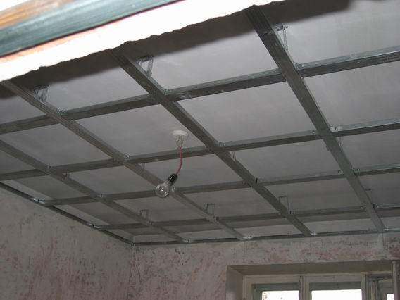 Подвесной потолок одноуровневый своими руками