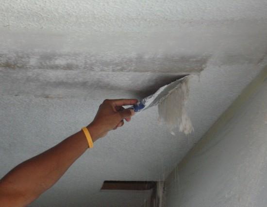 как снять побелку со стен в ванной комнате и наклеить плитку