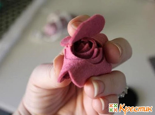 Как сделать розу из фетра
