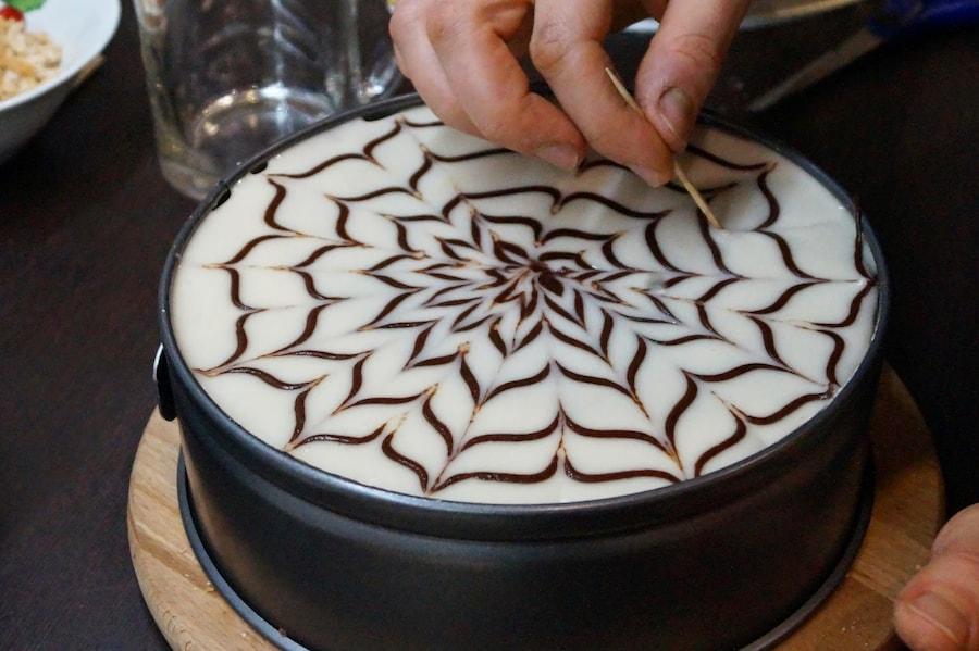 Украшение тортов глазурью