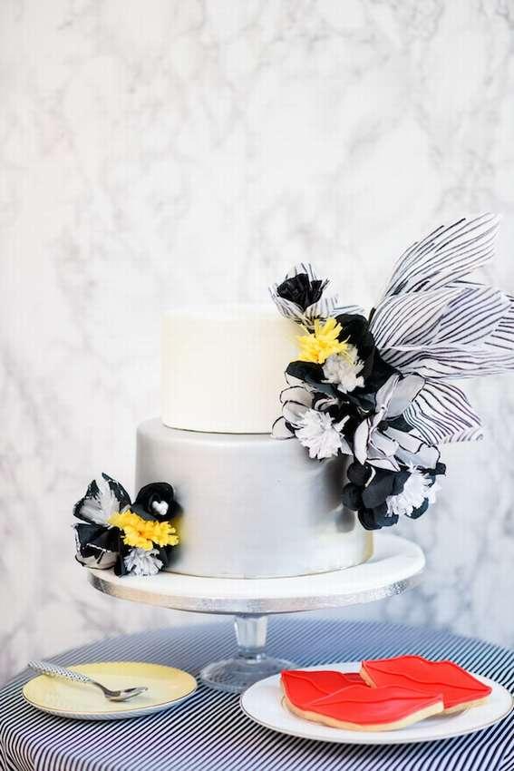 черно белые цветы из бумаги