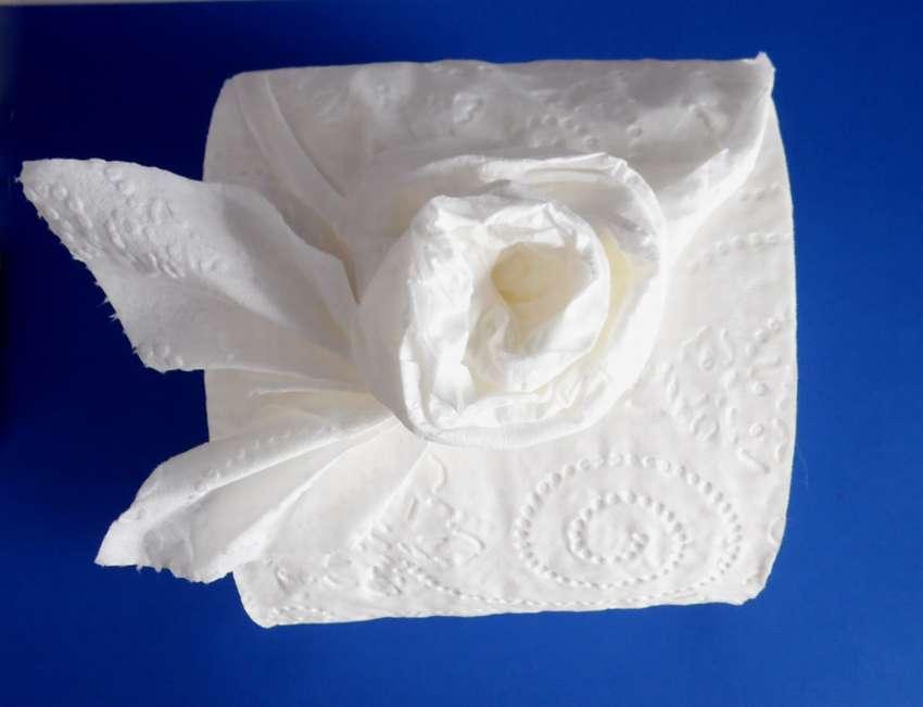 как сделать розу из туалетной бумаги