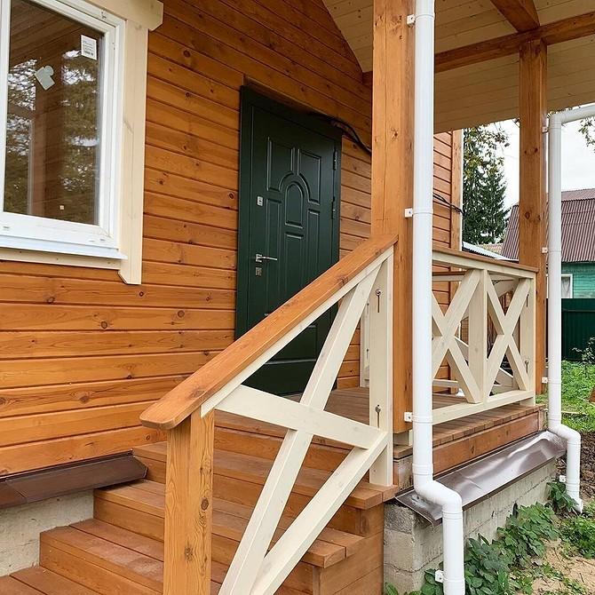 проекты деревянных домов с крыльцом фото лейкома может