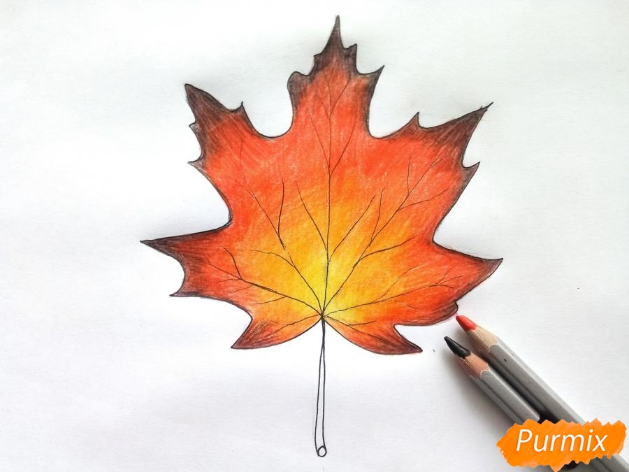 Рисуем кленовый лист цветными карандашами - шаг 6