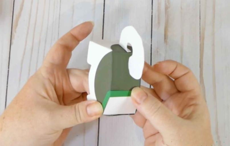 Ошейник из цветной бумаги для бумажной собачки