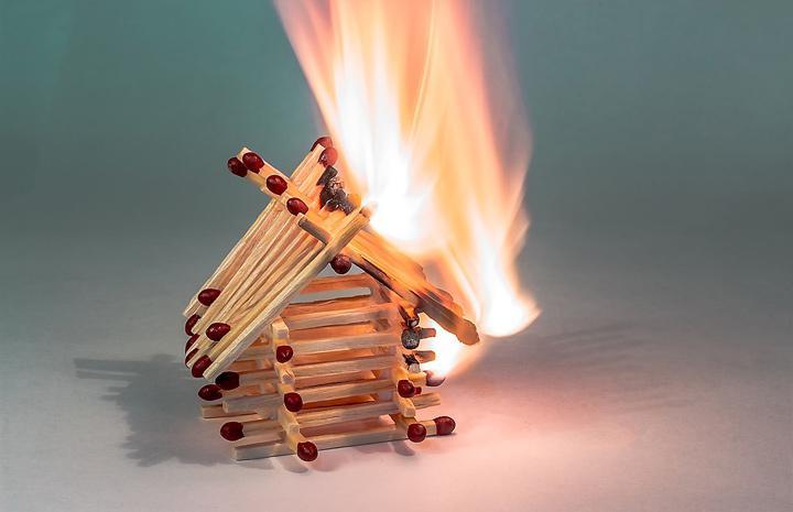 Пожар, огонь. дом, дым