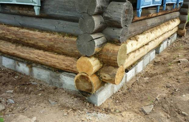 Когда фундамент старого деревянного дома нуждается в восстановлении?