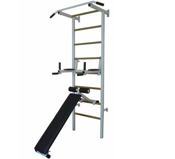 Металлическую спортивную стенку можно дополнить навесными брусьями, упорами для штанги, скамьями для пресса