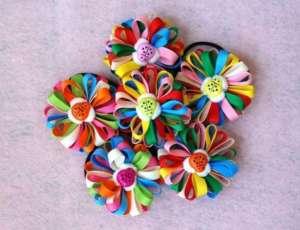 Разноцветные заколки из лент