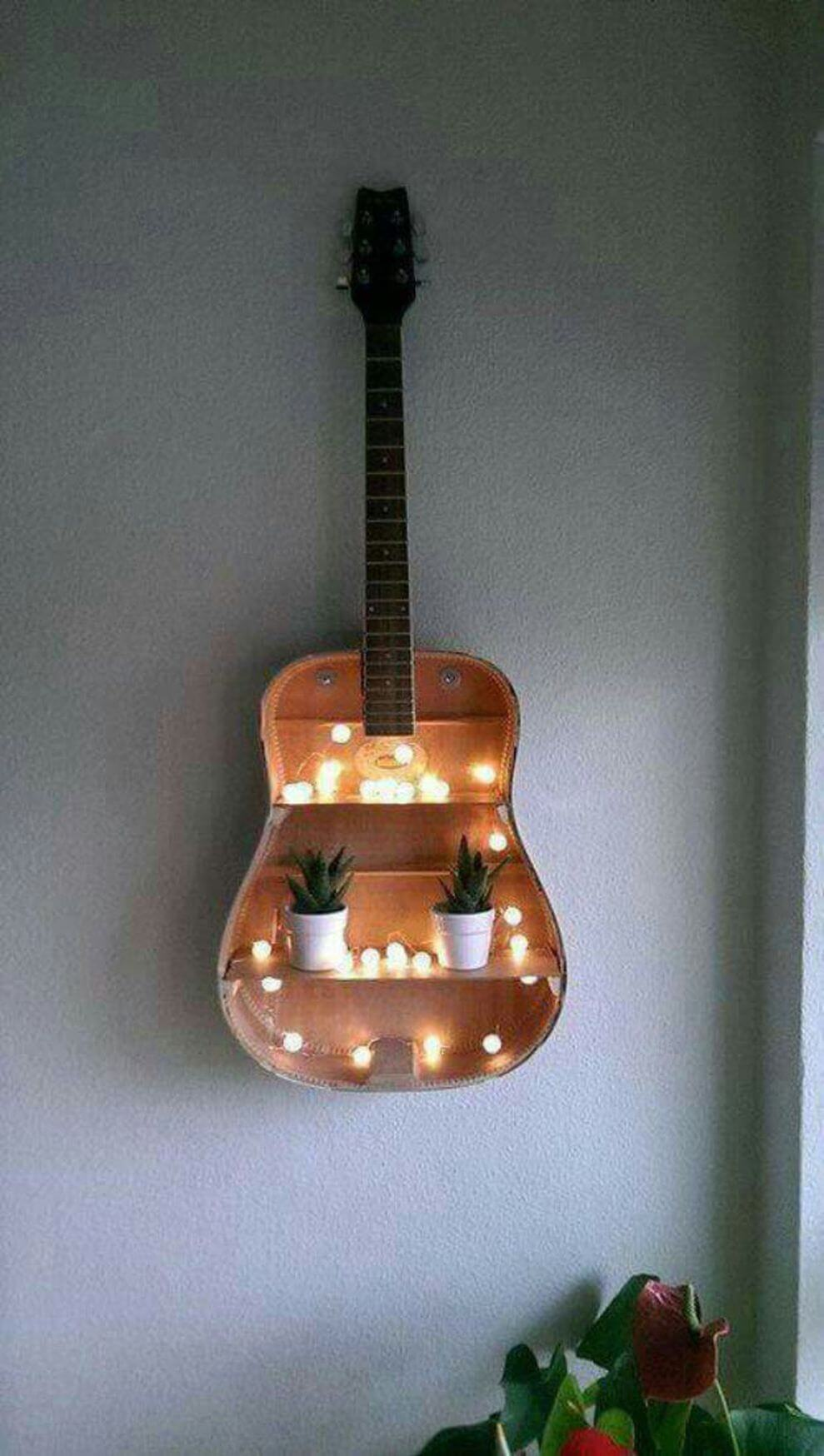 Оригинальные полки из гитары