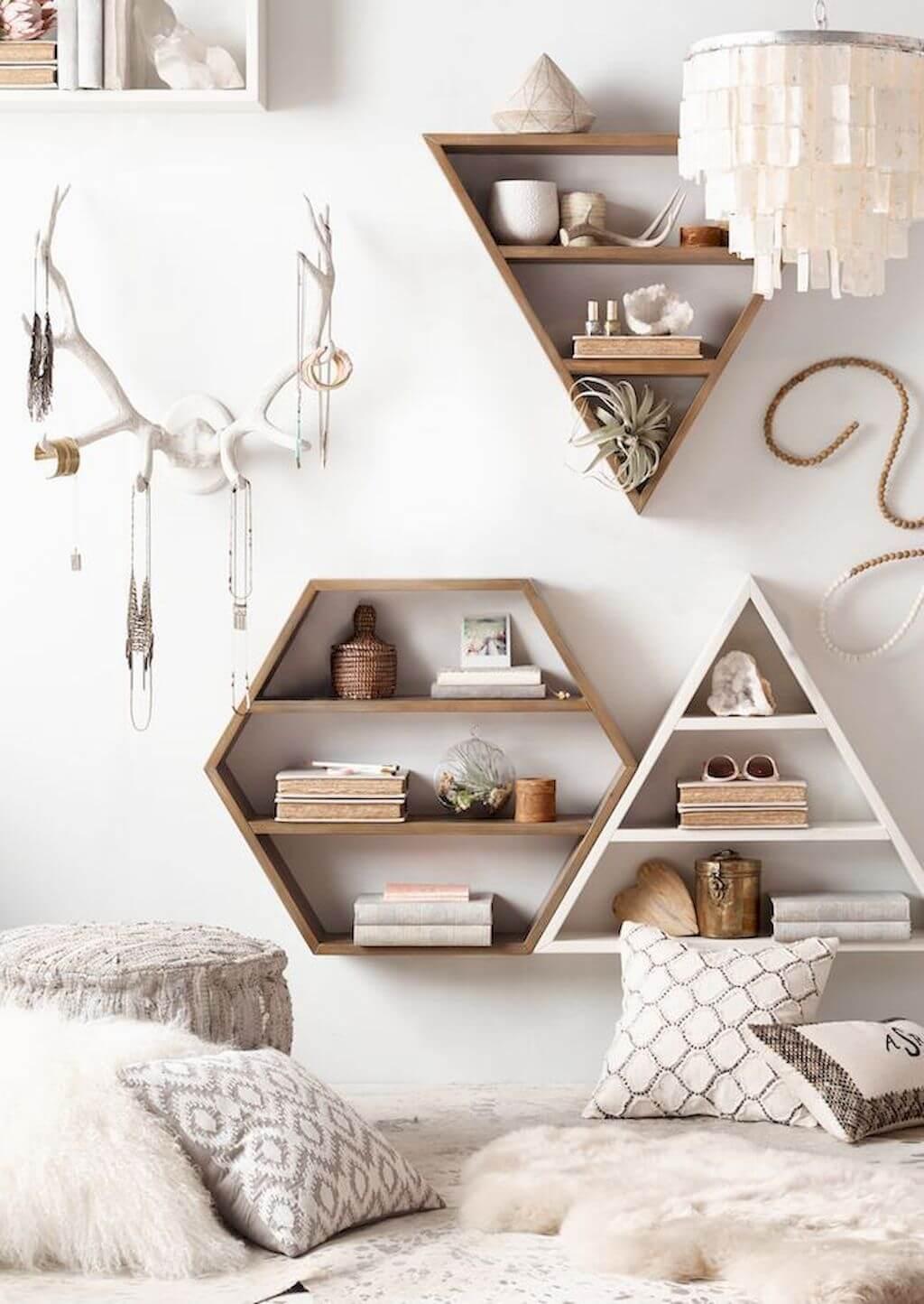 Оригинальные деревянные полки многоугольные