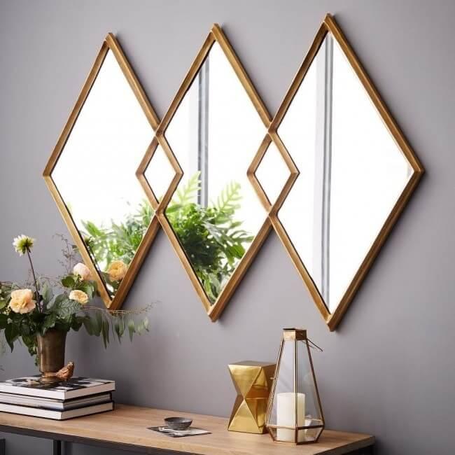 Зеркала в виде ромба с позолоченным обрамлением