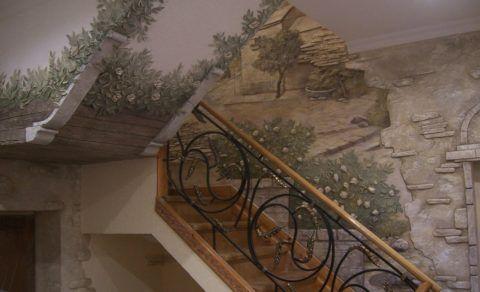 Рельефный рисунок, выполненный штукатуркой