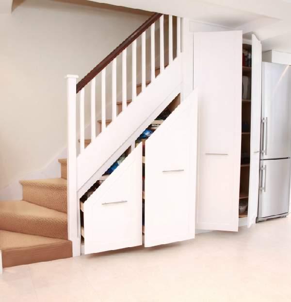 шкаф под лестницей на даче, фото 19