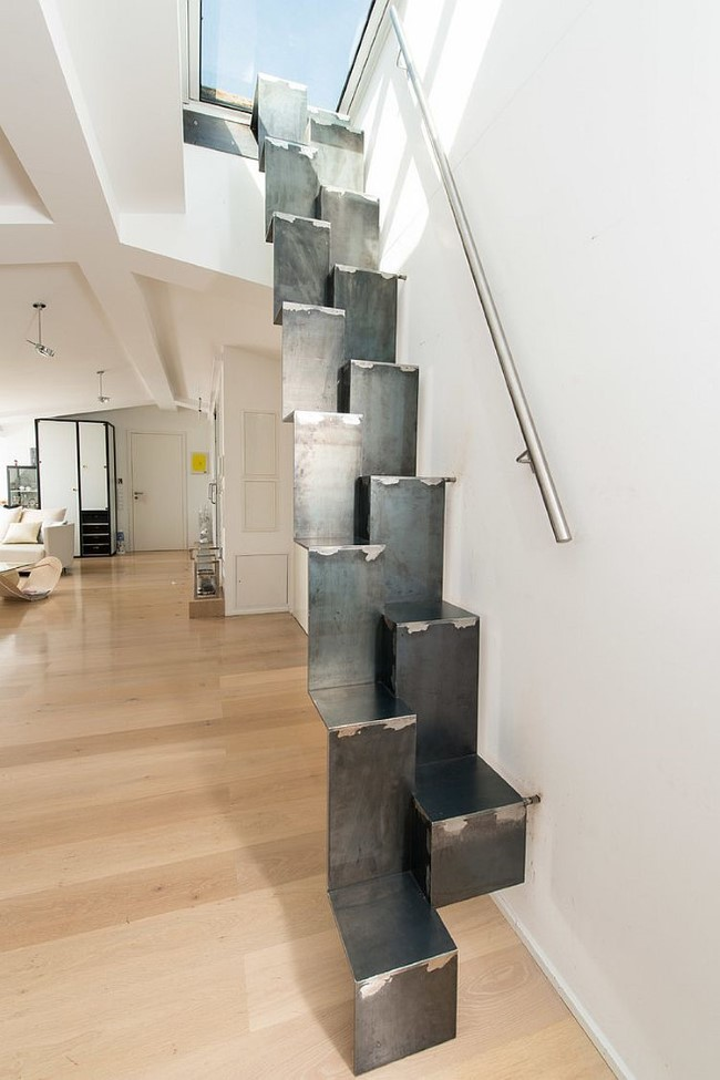 чердачная лестница в интерьере