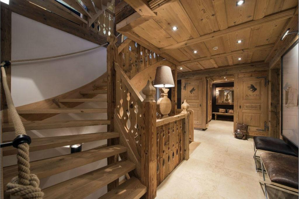 лестница в стиле шале фото говорит полете мысли