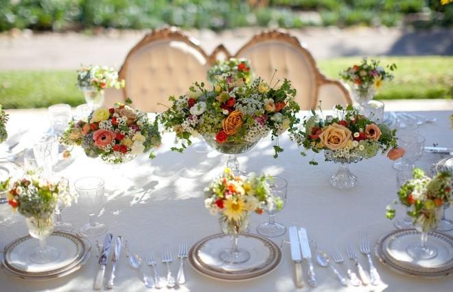 Букеты и цветочные композиции