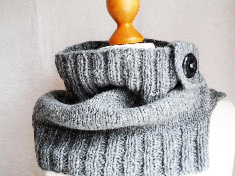 Шарфы-снуды не только модные, но и очень удобные, особенно для тех регионов, где зимой дует сильный ветер