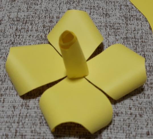 Цветы из бумаги — схемы и шаблоны для создания бумажных цветов этап 25