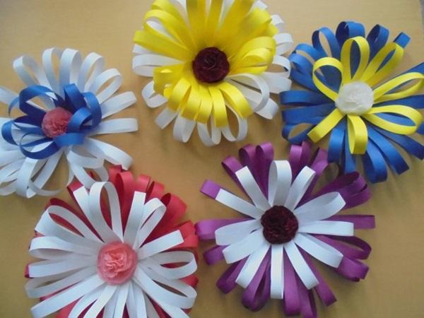 Цветы из бумаги своими руками для детского сада и в школу (мастер-классы, схемы и шаблоны для вырезания)
