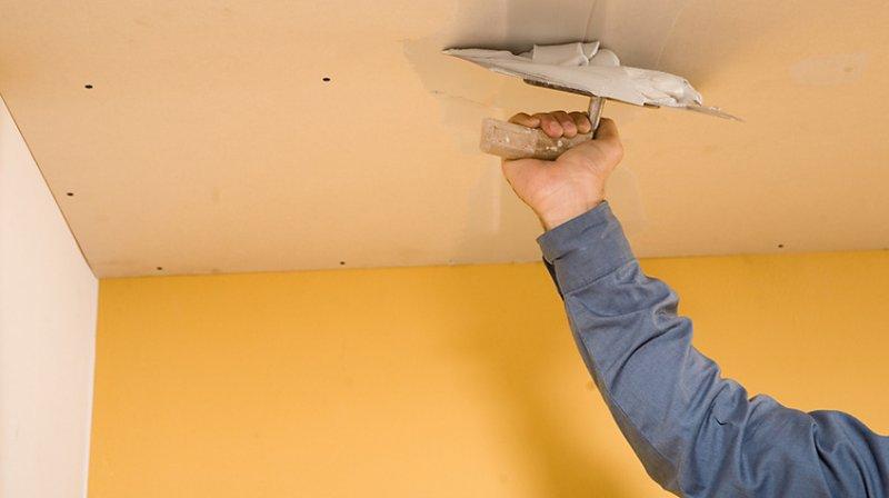 Как правильно шпаклевать потолок + видео?
