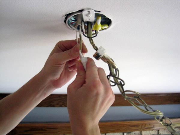 Как подсоединить люстру своими руками без помощи электрика