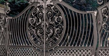 О преимуществах распашных кованых ворот