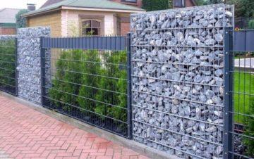 О заборах для дачи забор сетка с камнями