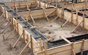 Варианты укрепления фундамента здания