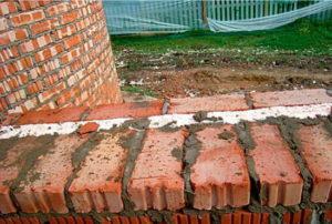 Технология и толщина кладки облегченных кирпичных стен