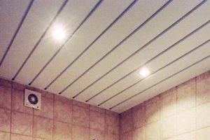 Пластиковый потолок своими руками — монтаж и инструкция