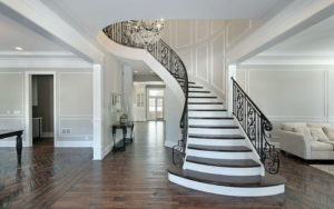 Как выбрать лестницу в частный дом?