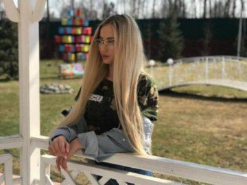 Участница «Дома-2» Светлана Тихомирова призналась, что покинула проект из-за сильного отека ног, который начал прогрессировать