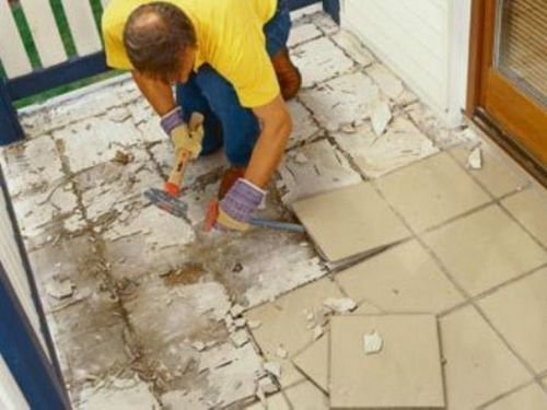 5 способов, как снять плитку со стены и пола