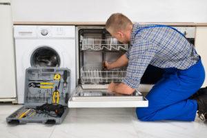 Как выбрать мастера по ремонту посудомоечных машин