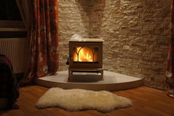Выбираем печь-камин для отопления дома