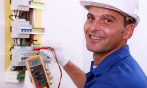 Какие услуги оказывает компетентный электрик