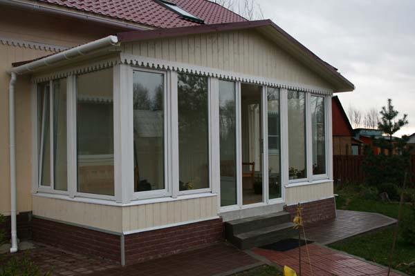 Мягкие окна для террас и беседок