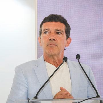 Антонио Бандерас рассказал, как перенесенный инфаркт изменил его жизнь