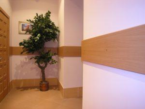 Стеновые отбойники — отбойная доска для защиты стен-как выбрать?