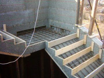Армирование монолитной лестницы своими руками: краткая инструкция по монтажу лестничных маршей (фото и видео)