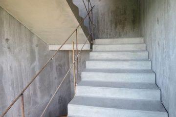 Монолитные лестницы из бетона: технология заливки