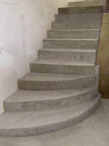 Бетонные лестницы на второй этаж в частном доме своими руками