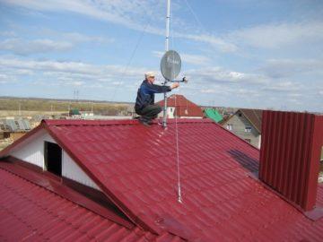 Установка антенны на крыше дома — частного и многоквартирного