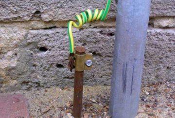 Как получить электричество в природных условиях