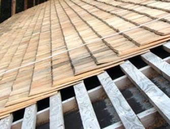 Гонтовая крыша: что это такое, изготовление своими руками, фото