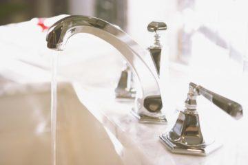 Из крана холодной воды течет горячая вода: в чем причина и как устранить проблему