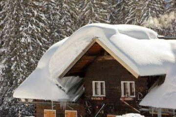 Уборка снега с крыш: особенности процедуры, техника безопасности