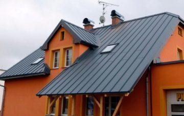 Жилой дом, жесткая кровля: правила монтажа покрытия и доборных элементов